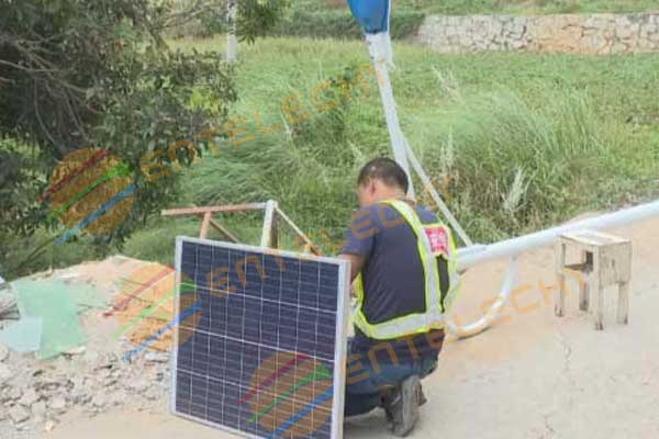 2000 entelechy brand solar street lamps light up the travel road in Binyang Village