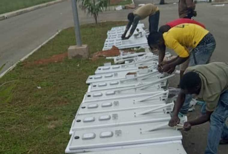 Solar street light project in ghana highway